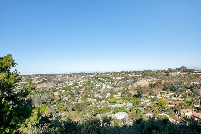 2551 Via Viesta -  La Jolla, CA 92037