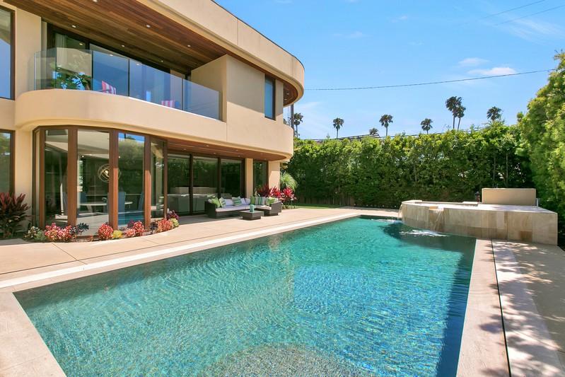 341 Mesa Way -  La Jolla, CA 92037