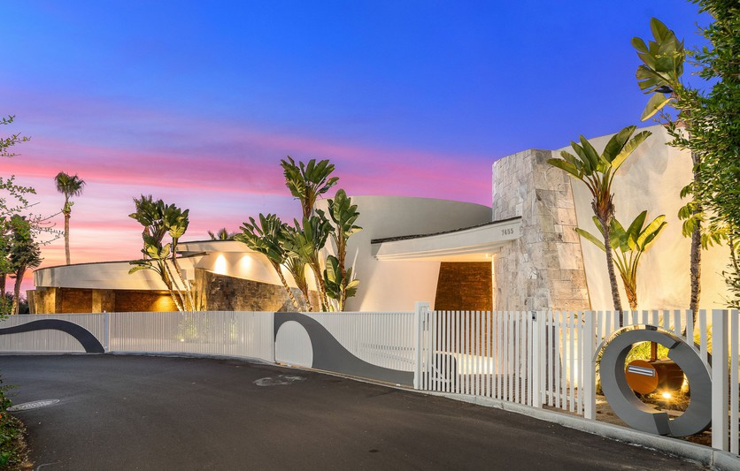 7455 Hillside Drive -  La Jolla, CA 92037