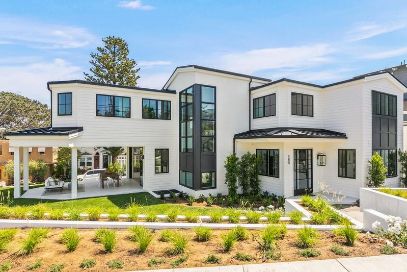208 Pacific Avenue -  Solana Beach, CA 92075