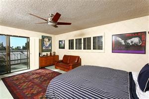 2386 Avenida De La Playa -  La Jolla, CA 92037