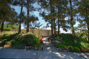 6808 Elaine Way -  San Diego, CA 92120