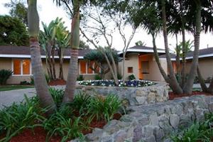 2881 Moonridge Dr -  La Jolla, CA 92037