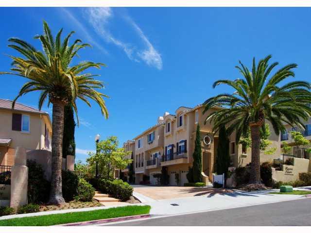 3792 Quarter Mile Drive -  San Diego, CA 92130