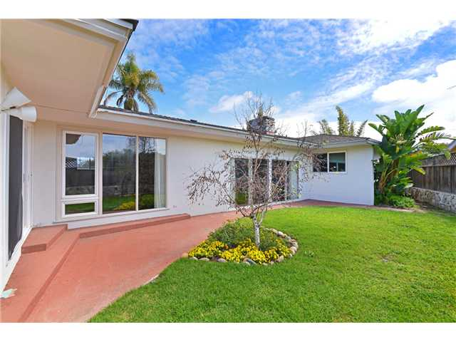 952 Skylark Drive -  La Jolla, CA 92037