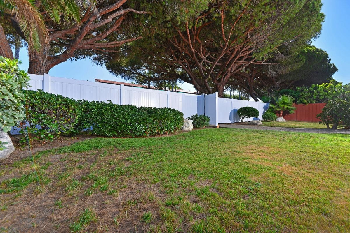 6340 La Jolla Boulevard -  La Jolla, CA 92037