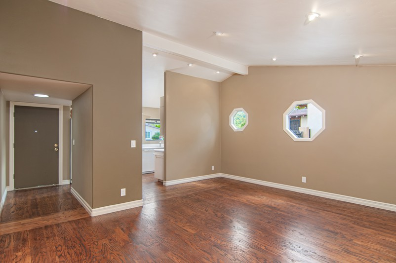 2823 Hypoint Avenue -  Escondido, CA 92027