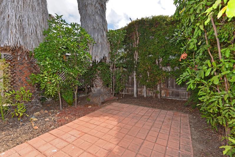 1811-1813 Hornblend Street -  San Diego, Ca 92109